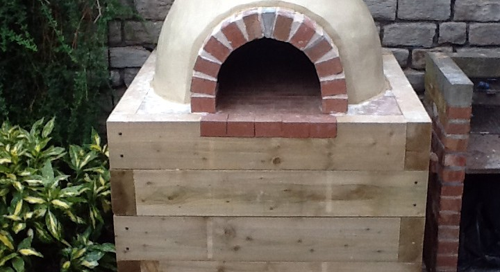 How to build a wood-fire pizza oven
